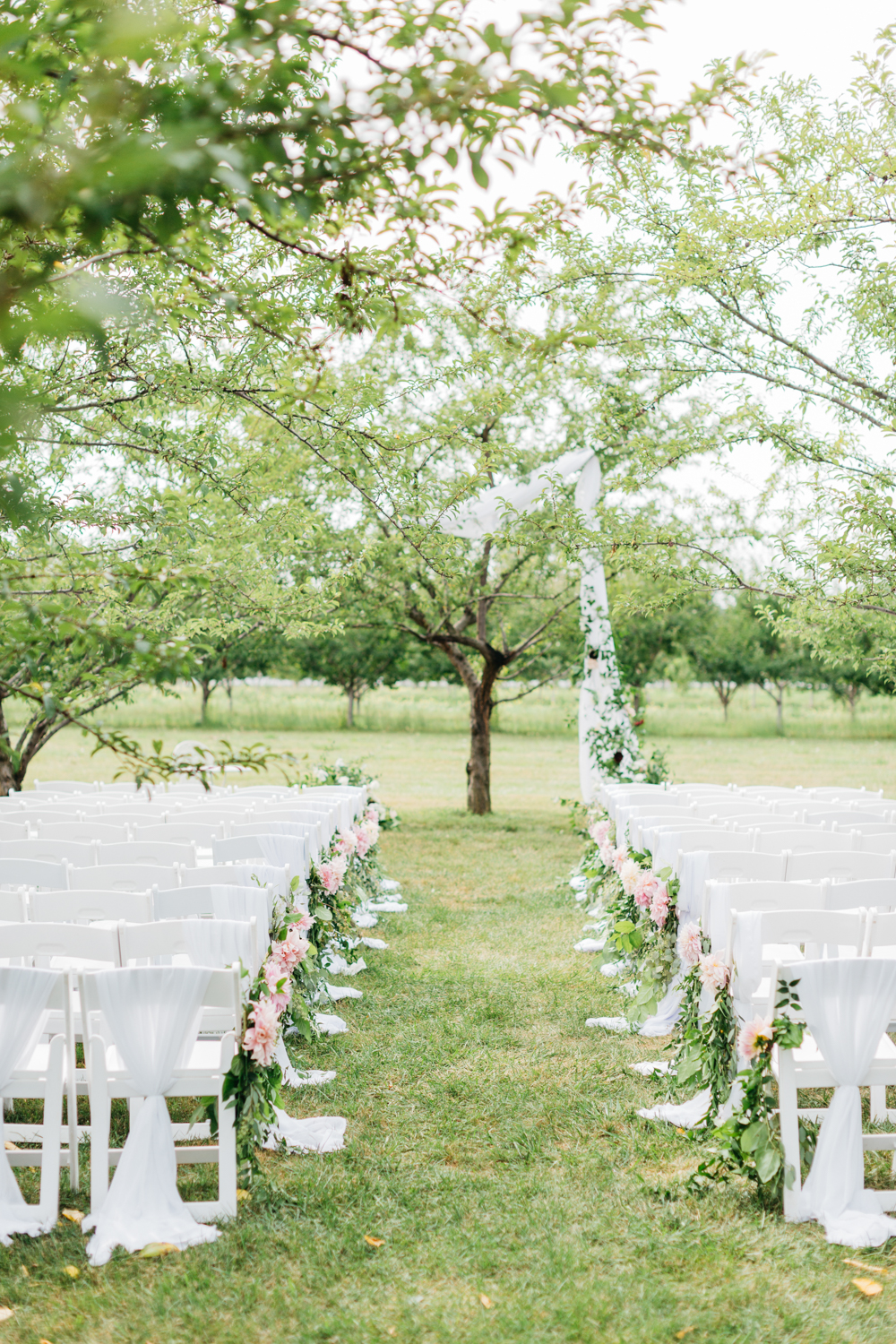 Ceremony details at Kurtz Orchard Market place