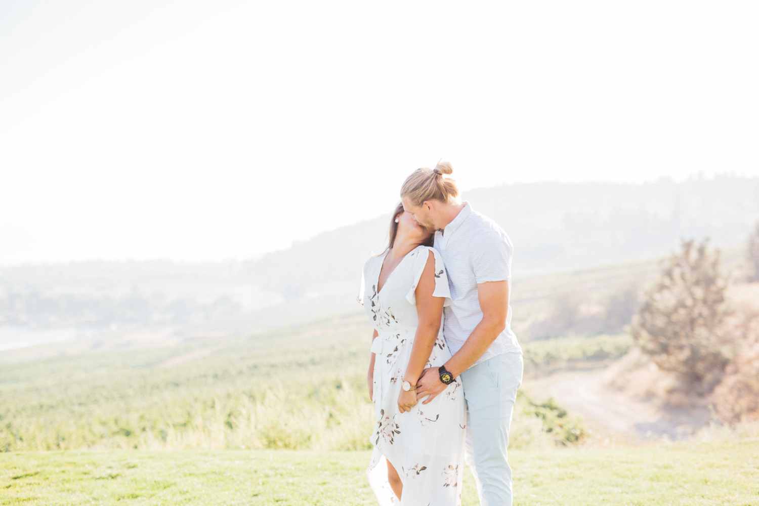 Couple kissing at Quails' Gate Estate & Winery